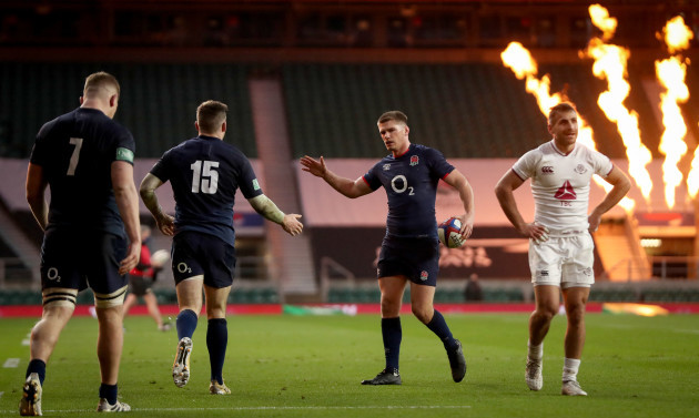 elliot-daly-celebrates-scoring-a-try-with-owen-farrell
