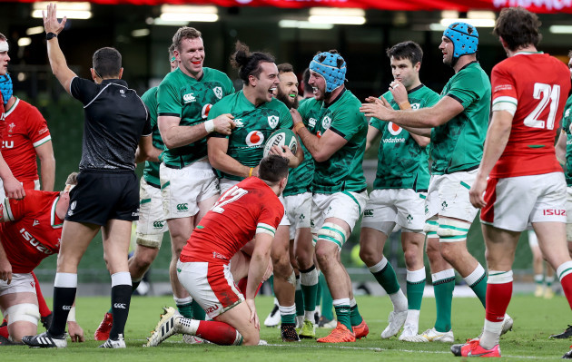 james-lowe-celebrates-scoring-their-second-try-with-will-connors-and-chris-farrell