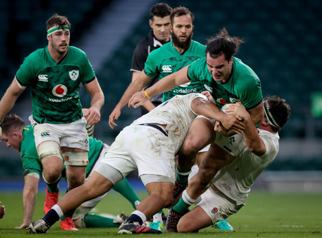 james-lowe-is-tackled-by-mako-vunipola