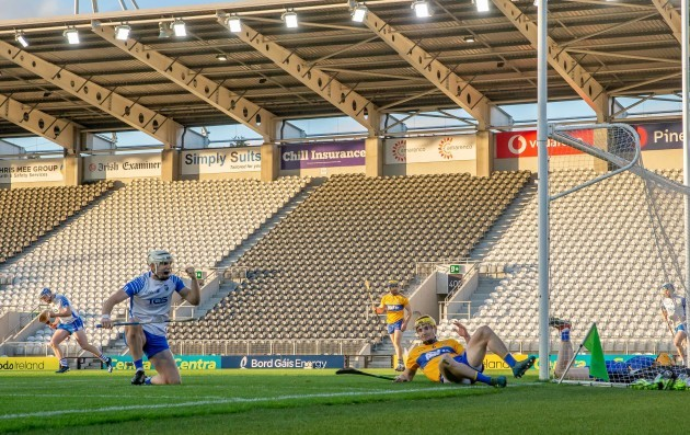 dessie-hutchinson-celebrates-scoring-the-first-goal-of-the-game