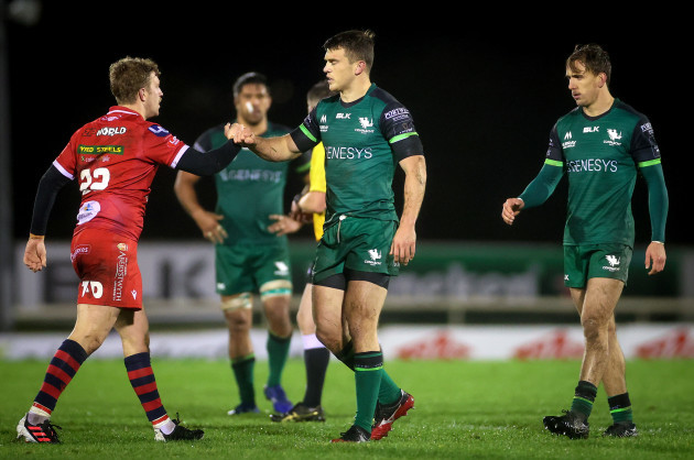 angus-obrien-with-tom-farrell-after-the-game