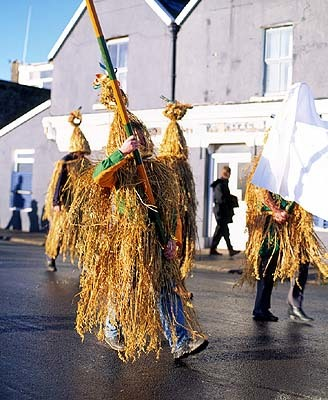 15. vtls000251373- Wren boys annual parade, St. Stephen's Day, December 26th, Dingle, Co. Kerry