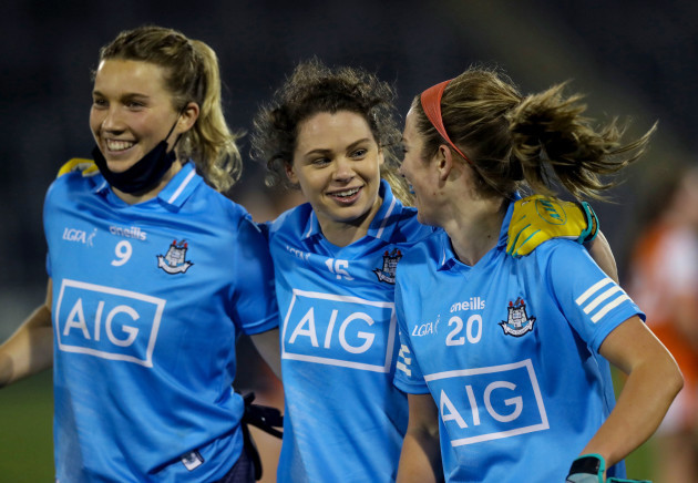 jennifer-dunne-noelle-healy-and-siobhan-killeen-celebrate-after-the-final-whistle