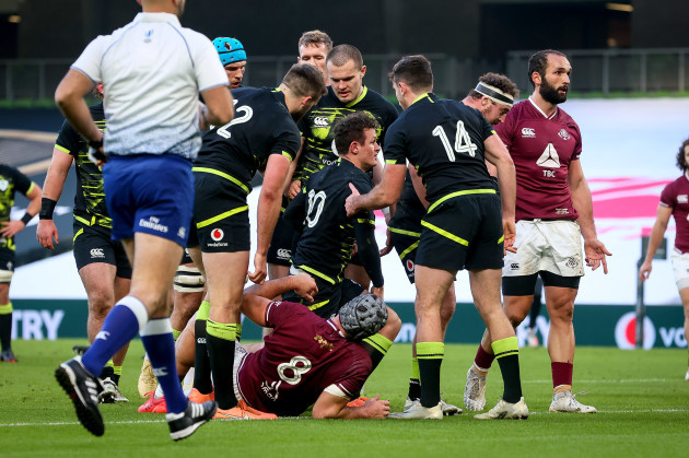 billy-burns-celebrates-after-scoring-a-try-with-hugo-keenan