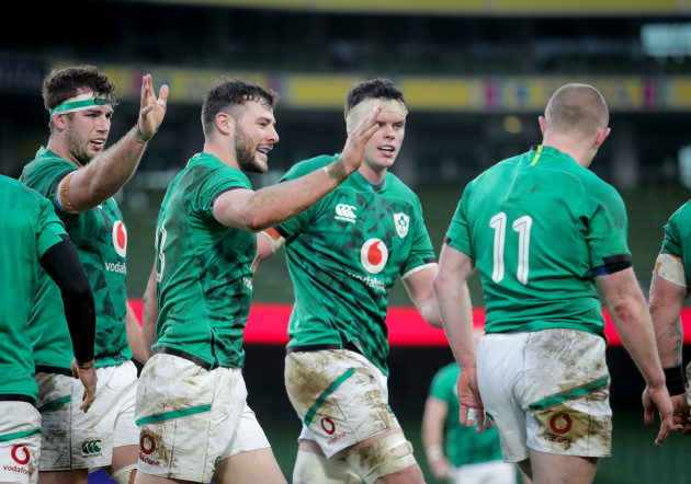 keith-earls-celebrates-after-scoring-a-try-with-caelan-doris-and-robbie-henshaw