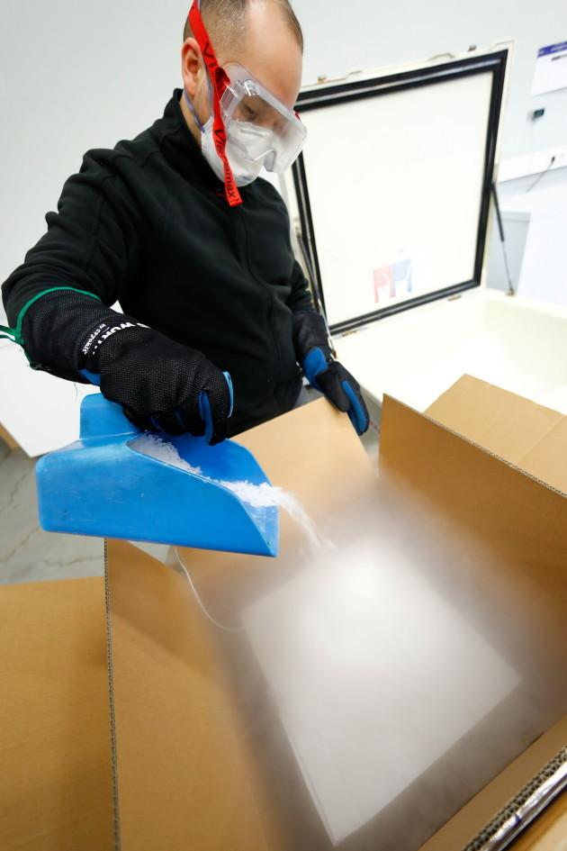 coronavirus-vaccine-warehouse-in-the-rhine-main-area