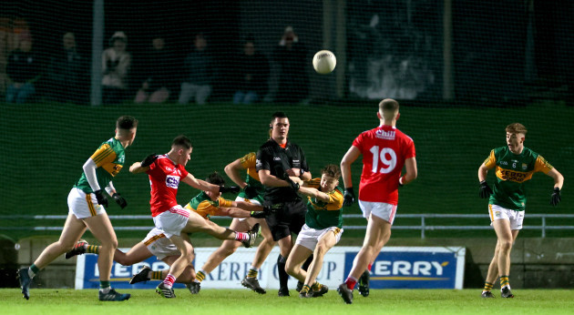 aaron-sheehy-kicks-a-last-minute-point-to-send-the-game-to-extra-time