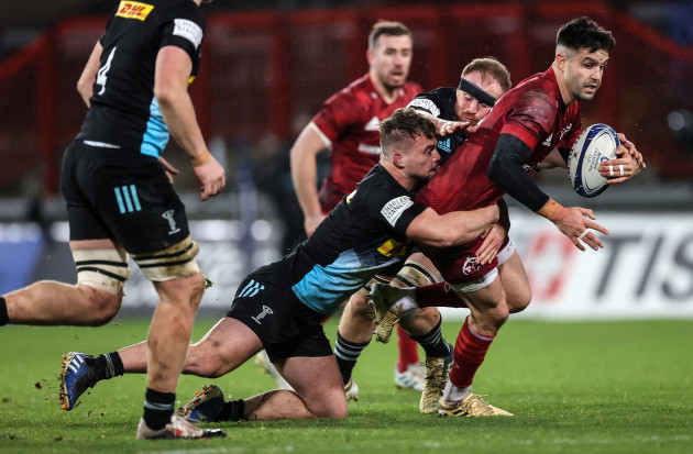 conor-murray-tackled-by-will-evans-and-james-chisholm