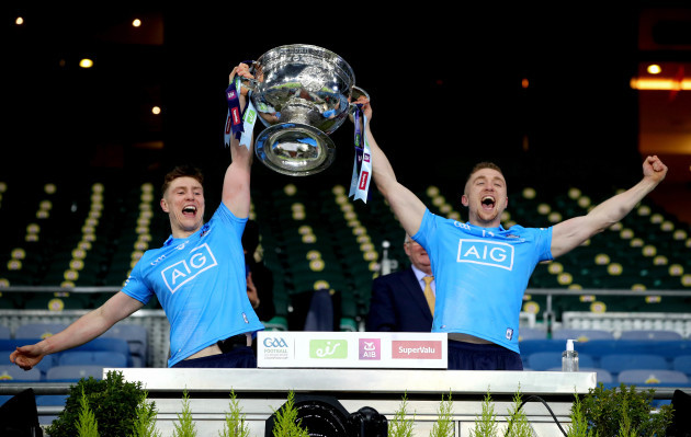 john-small-amd-paddy-small-with-the-sam-maguire