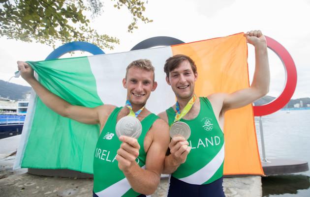 paul-and-gary-odonovan-celebrate-winning-a-silver-medal