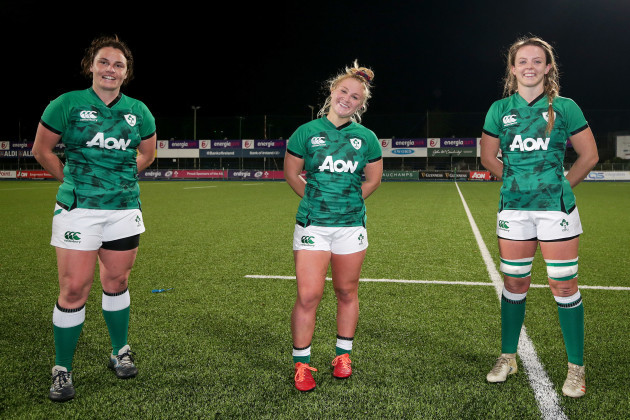 katie-odwyer-neve-jones-and-brittany-hogan-celebrate-after-the-game