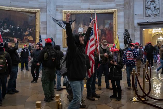 ny-pro-trump-supporters-breach-the-u-s-capitol-building