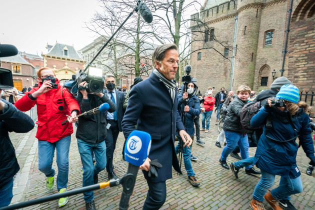 netherlands-mark-rutte-with-his-bike-to-the-king