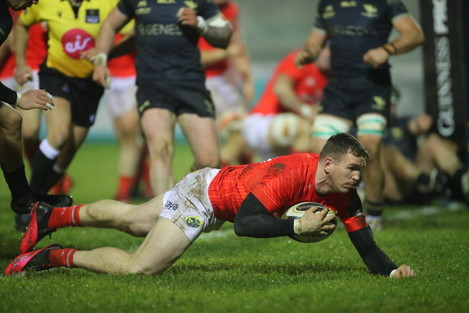 chris-farrell-scores-a-try