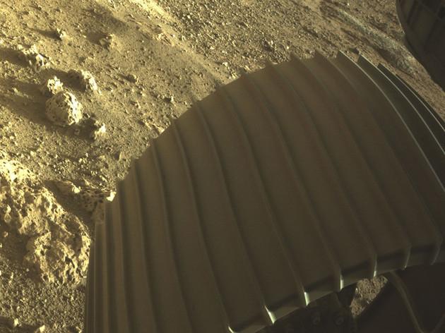 nasa-perseverance-rover-on-mars