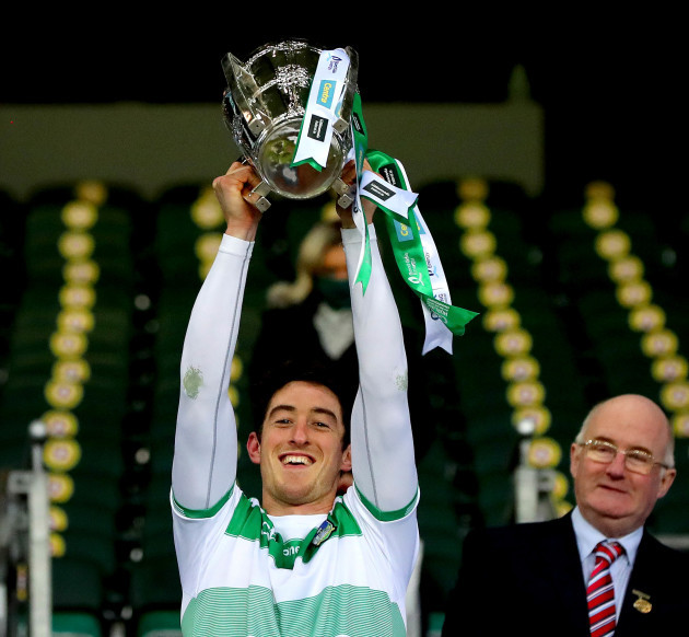 nickie-quaid-lifts-the-liam-maccarthy-cup