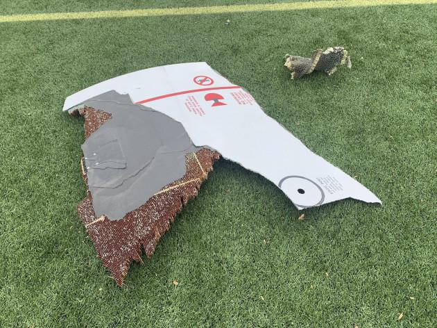 emergency-landing-plane-debris