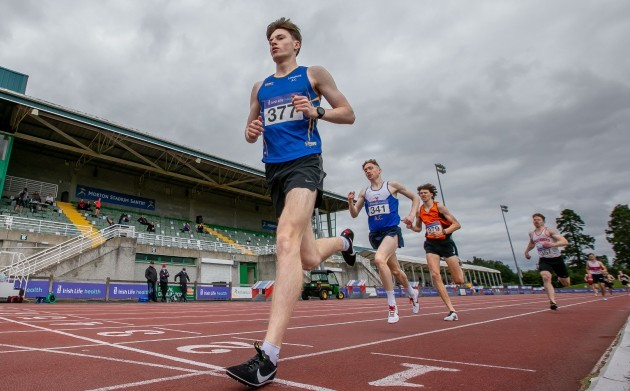 cian-mcphillips-wins-his-heat-of-the-mens-800m