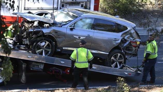 tiger-woods-injured-in-single-car-accident-in-los-angeles