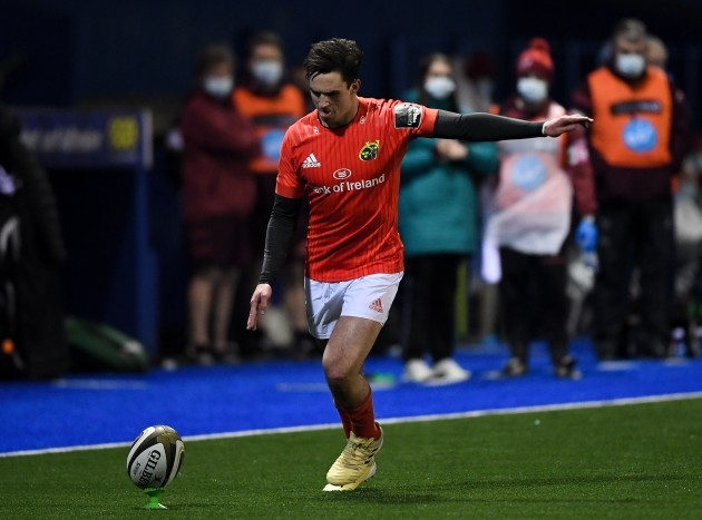 joey-carbery-kicks-a-conversion-late-in-the-game