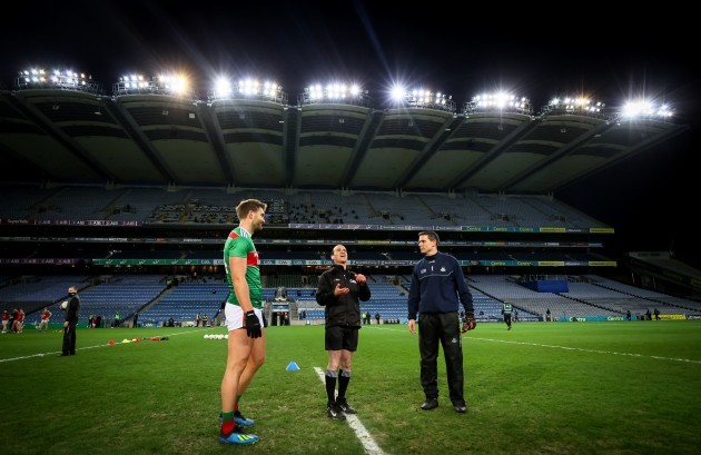aidan-oshea-with-david-coldrick-and-stephen-cluxton-at-the-coin-toss