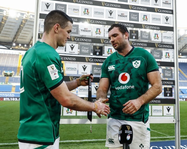 johnny-sexton-presents-tadhg-beirne-with-the-guinness-six-nations-player-of-the-match-award