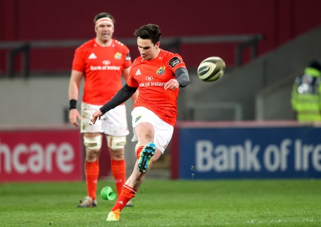 joey-carbery-kicks-a-penalty