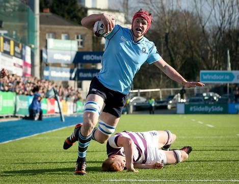 ryan-baird-on-his-way-to-scoring-a-try