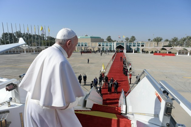 pope-francis-leaves-iraq