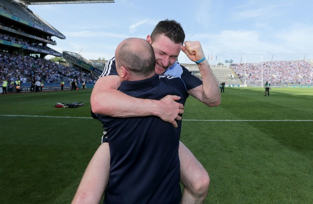 anthony-daly-celebrates-with-niall-corcoran