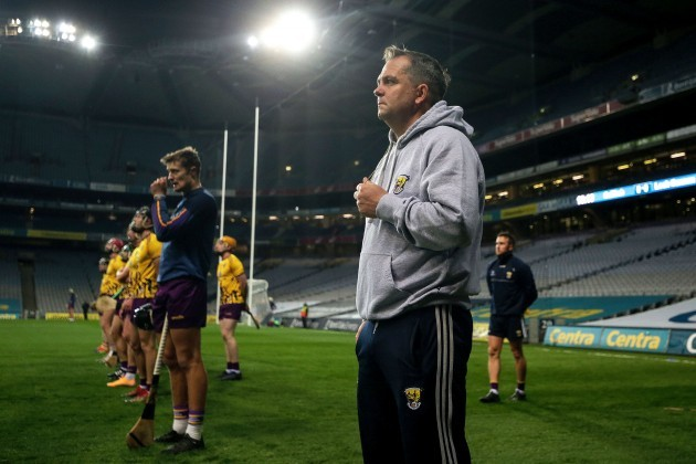 davy-fitzgerald-stands-for-the-national-anthem