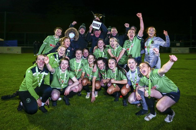 peamounts-players-and-staff-celebrate