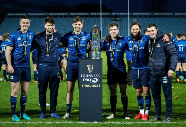 johnny-sexton-harry-byrne-ross-byrne-luke-mcgrath-jamison-gibson-park-and-hugh-osullivan-celebrate-with-the-guinness-pro14-after-the-game