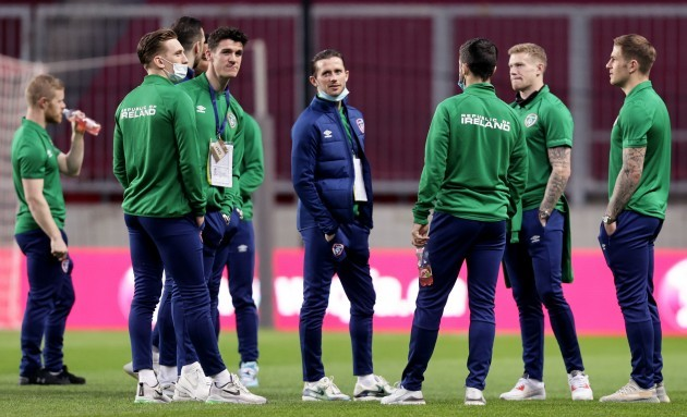 ireland-players-on-the-field-ahead-of-the-game