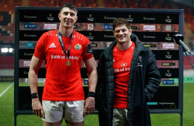 thomas-ahern-is-presented-with-the-guinness-pro14-player-of-the-match-award-by-jack-odonoghue