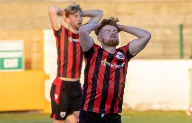 aodh-dervin-reacts-to-a-late-missed-shot-on-goal