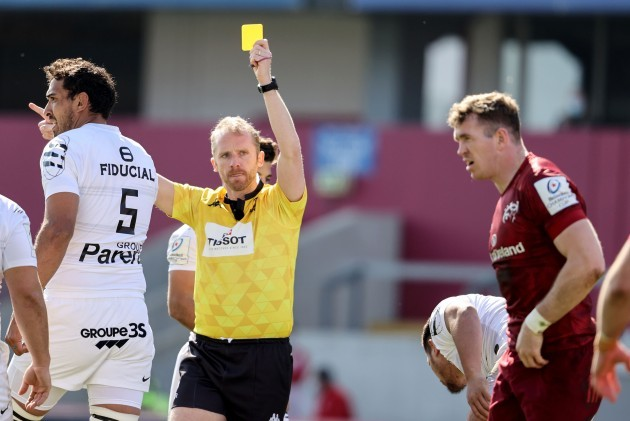 chris-farrell-receives-a-yellow-card-from-wayne-barnes