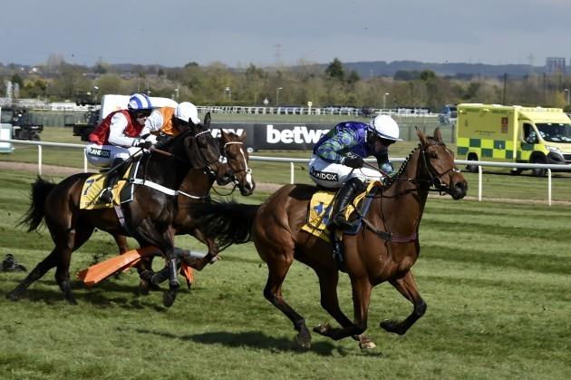 britain-grand-national-horse-racing