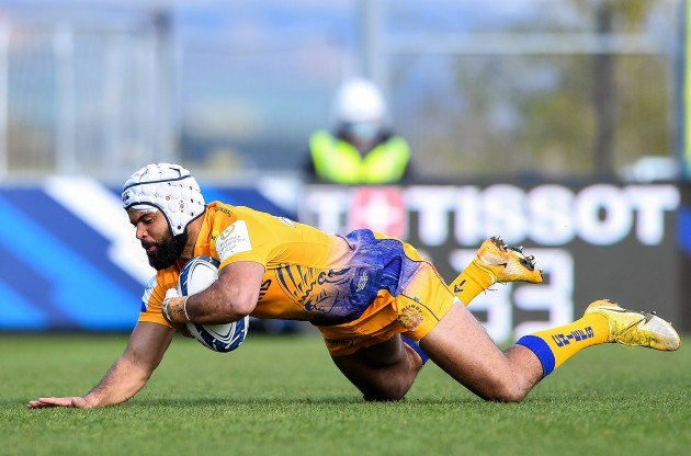 tom-oflaherty-scores-a-try