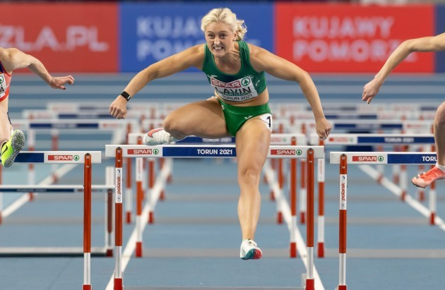 sarah-lavin-competing-in-the-womens-60m-hurdles-semi-finals
