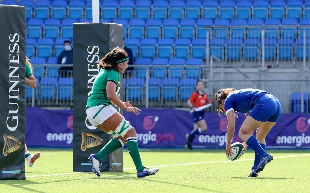 cyrielle-banet-scores-a-try