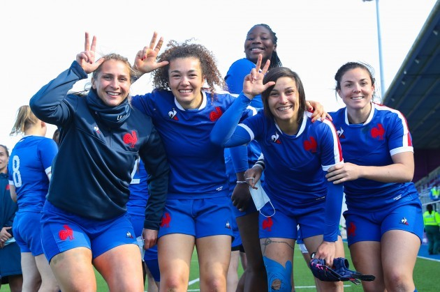 france-players-celebrate-after-the-game