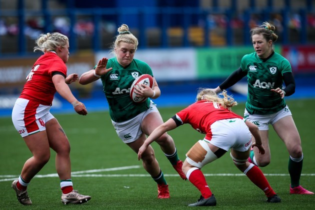cliodhna-moloney-takes-on-molly-kelly-and-manon-johnes