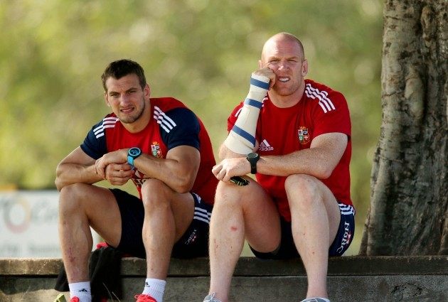 sam-warburton-and-paul-oconnell-sit-out-the-training-session