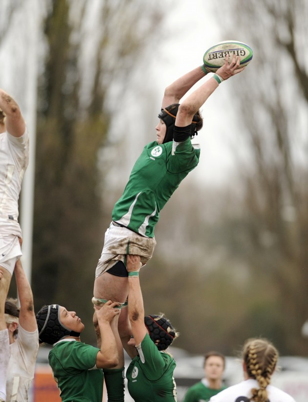 marie-louise-reilly-wins-the-line-out-ball