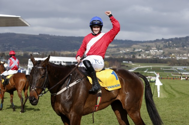 rachael-blackmore-on-allaho-celebrates-after-winning
