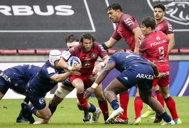 maxime-medard-comes-up-against-thierry-paiva-152021