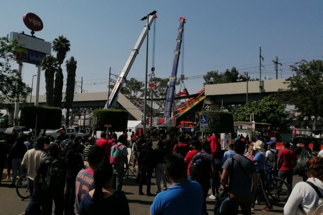 mexico-mexico-city-subway-overpass-collapses