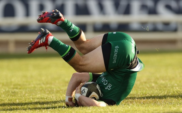 caolin-blade-breaks-free-to-score-his-sides-first-try