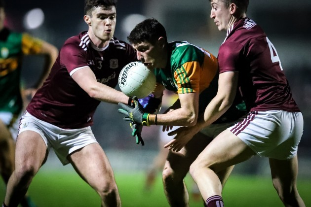 paul-geaney-tackled-by-sean-mulkerrin-and-johnny-heaney